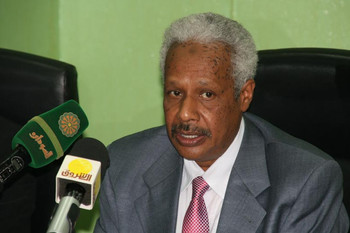 Finance Minister Badreldin Mahmoud Abas (file photo)