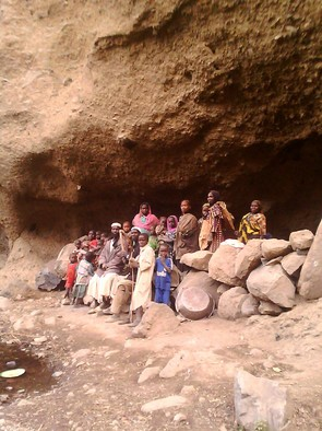 Darfuri villagers hide in a cave high in Mount Marra in March 2016, when the Sudanese military and air force launched attacks to draw back the armed rebels in Jebel Marra (RD)