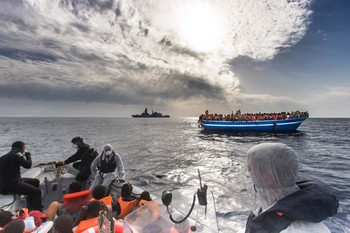 The Italian navy helps people trying to reach Europe from North Africa (M.Sestini/Italian Navy)