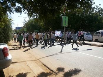 Darfuri students demonstrate in Khartoum against the violence in Nierteti, El Geneina, 8 January 2017 (RD)