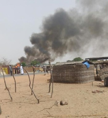 The fire in the local market of Kerending camp for displaced people on Sunday (RD)