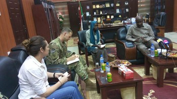 The US military attaché visiting the Governor of North Darfur, 9 April 2017 (SUNA)