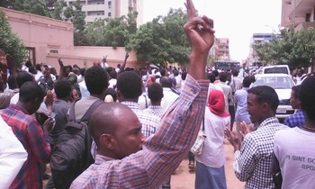 Students take to the streets last week after the Khartoum Court found Asim Omar guilty of murder. (RD)