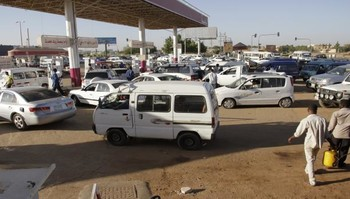 Waiting for fuel in Khartoum (File photo)