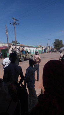 RSF militiamen enter El Geneina, West Darfur, on Sunday, after protests broke out against the price hikes (RD)