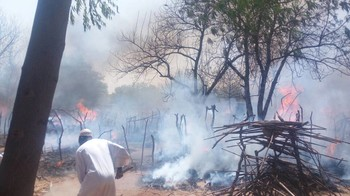 Fire in Babanusa camp for displaced people, Gireida locality, which destroyed more than 100 homes on April 15, 2018 (RD)