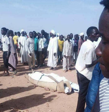 The victims of the Aradeiba camp attack are prepared for burial (RD)