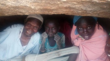 New displaced hide in caves in Darfur's Jebel Marra without access to aid (RD)