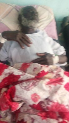 The wife of Jibril Ahmed, Omda of Digris was shot and killed on 11 July 2018. Here is Jibril Ahmed in the hospital. (RD)