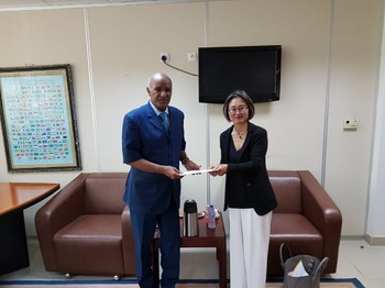 UN Resident and Humanitarian Coordinator Gwi-Yeop Son presents her credentials to the Government of Sudan, August 2018 (OCHA)