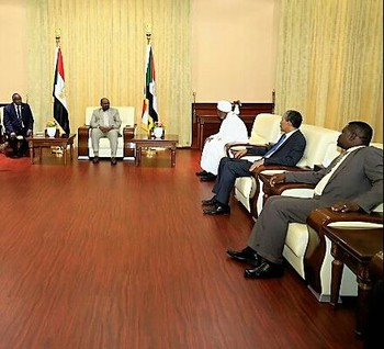 Sudanese president Omar Al Bashir in a meeting in his palace (Suna)