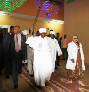 President Al Bashir opens a new facility in Ahmed Gasim Hospital in Khartoum North, January 2015 (bhaskarchakravorti.com)