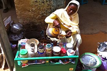 A tea seller in El Fasher (Social media)