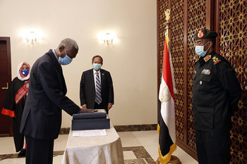 Maj Gen Yasin Ibrahim is sworn-in as Minister of Defence (SUNA)