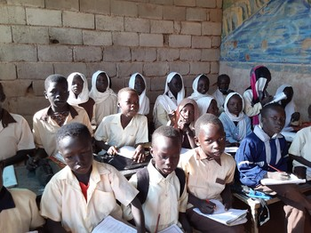 Displaced Nuba children in a community school in one of the poor suburbs of Omdurman (RD)