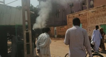 A hotel is set on fire during the clashed in Kassala on 25 August (Social media)