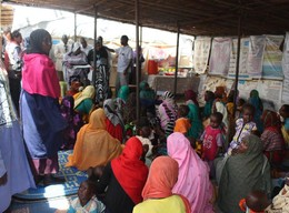 Three health clinics and nutrition centers in Zamzam camp for the displaced in North Darfur treat thousands of patients every week (OCHA Sudan)