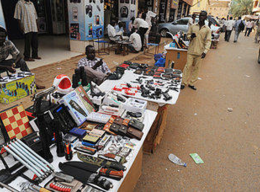Street vendors in Khartoum (Christian Science Monitor)
