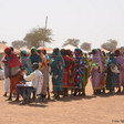 New displaced from Jebel Marra queue for food distribution in Tawila (OCHA)