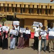 Journalists protest in front of Sudan's Houses of Parliament in August 2018 (RD)